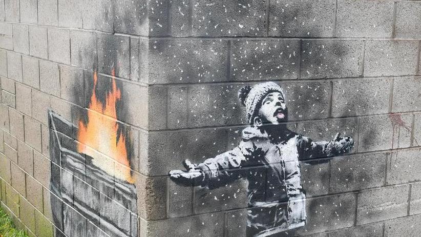 Streetart: Banksy-Werk an Garagenwand in Wales verkauft