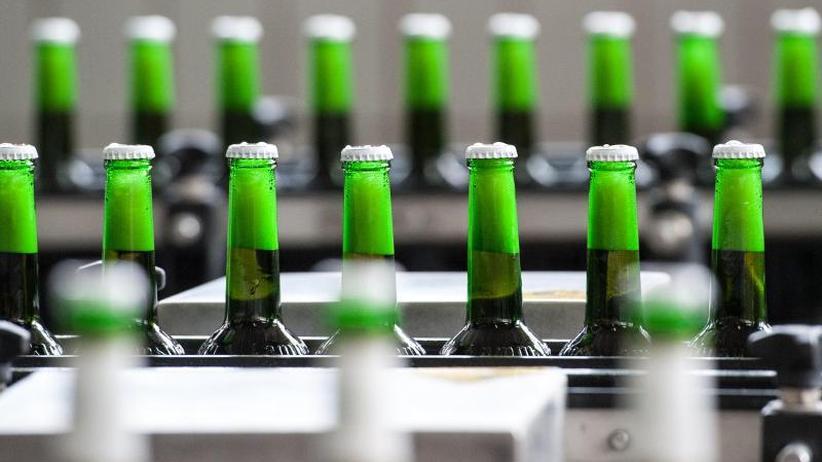 Freiwillige Kalorien-Angabe: Brauereien informieren über Bierbauch-Risiko