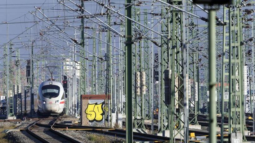 Neue Oberleitungen: Bund will Elektrifizierung der Schiene vorantreiben