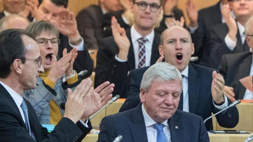 Hauchdünne Mehrheit: Mit schwarz-grüner Disziplin bleibt Bouffier Regierungschef
