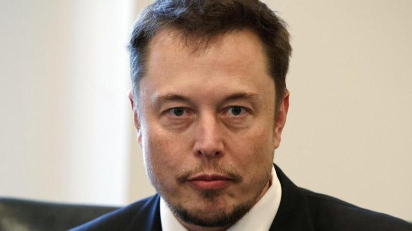 Modell 3 soll biliiger werden: Schwächerer Gewinn im 4. Quartal: Tesla streicht Stellen