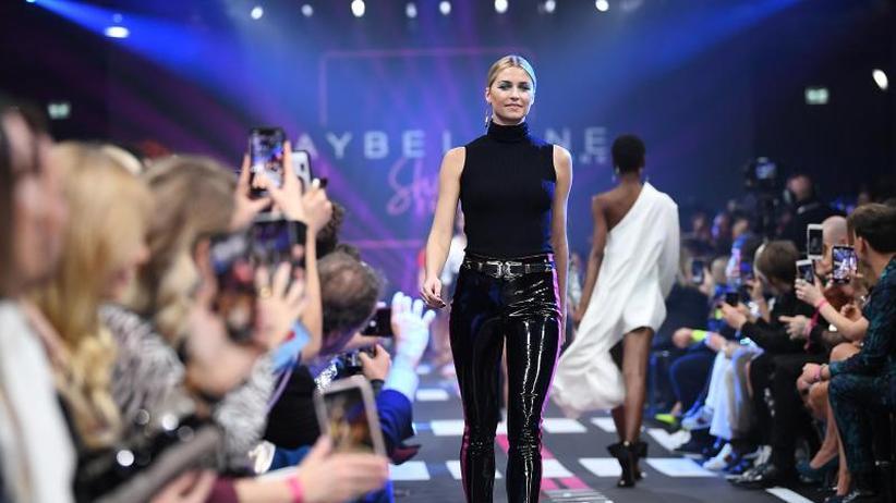 Freizeit-Look: Topmodel Lena Gercke trägt gern Jogginghosen