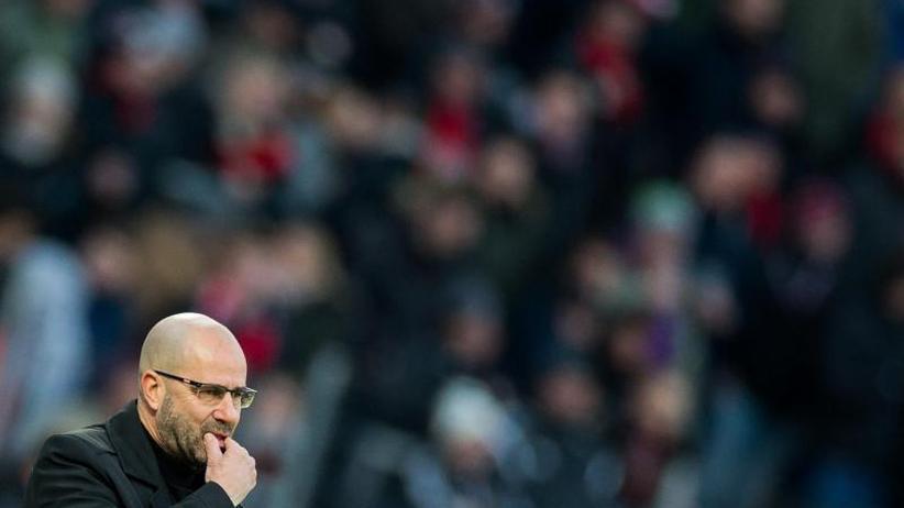 Rückrunden-Auftakt: Bayer-Niederlage bei Bosz-Debüt - Funkels Siegesserie hält