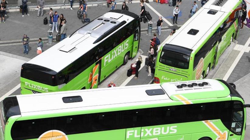 Konkurrenz für die Bahn: Studie: Fernbus-Ticketpreise auf Höchststand
