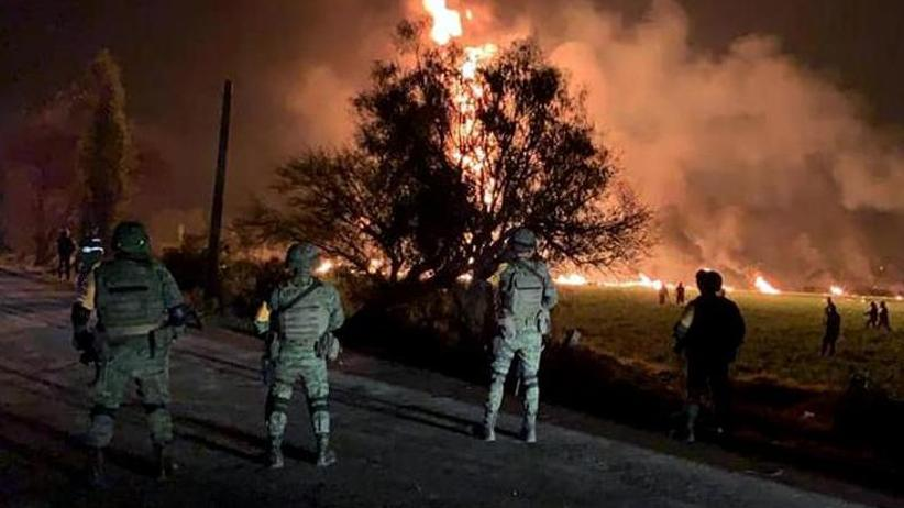 Leck an Pipeline: Tod im Inferno: 66 Tote nach Pipeline-Explosion in Mexiko