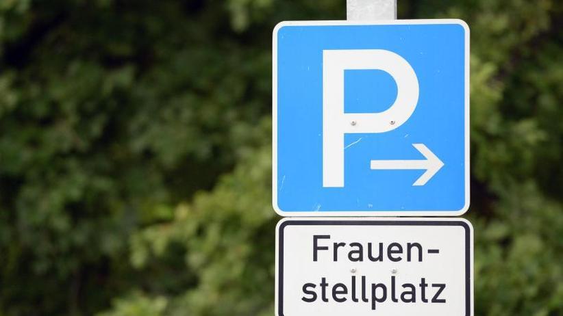 Prozess um Diskriminierung: Einigung im Streit um Frauenparkplatz in Eichstätt