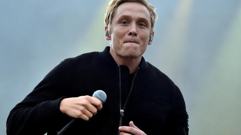 Verschiebungen: Matthias Schweighöfer sagt zwei weitere Konzerte ab