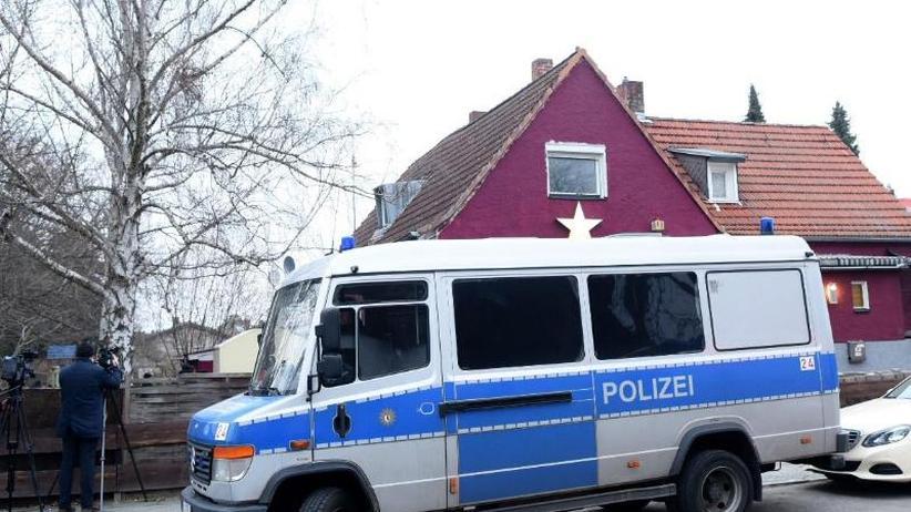 Razzia: Polizei sucht Waffen bei internationaler Schmugglerbande