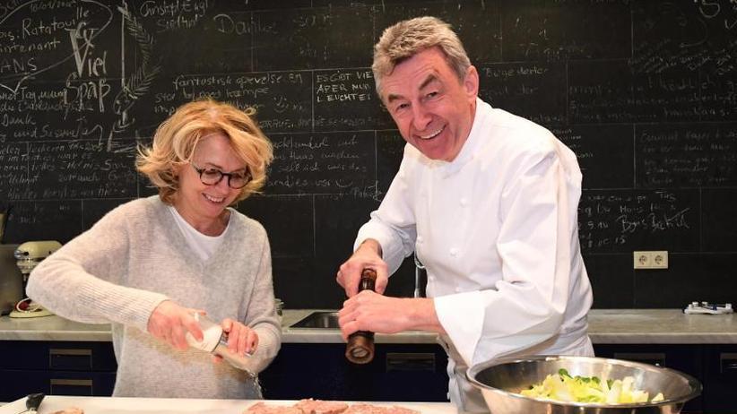 Sauberkeit: Sternekoch Hans Haas putzt seine Küche selbst