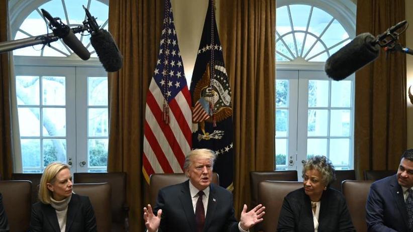 Streit mit US-Demokraten: US-Präsident Trump verschiebt Rede zur Lage der Nation
