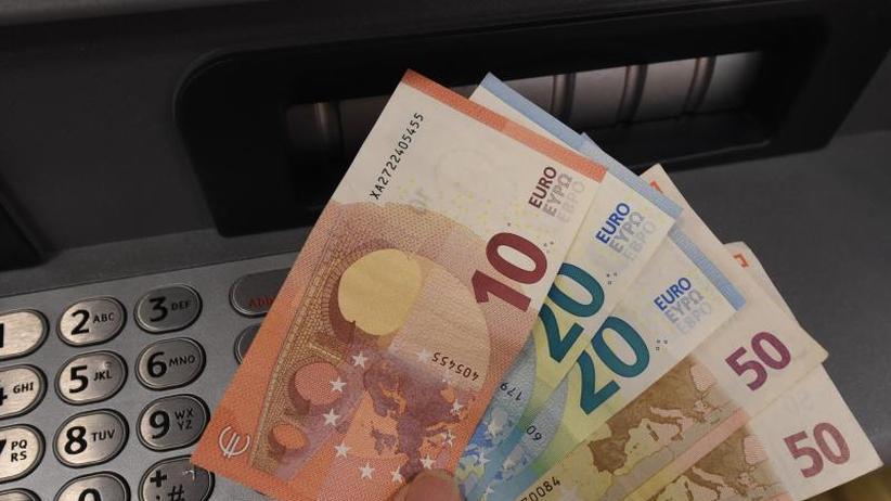 Handy-Zahlung immer beliebter: Deutschland bleibt Bargeldland