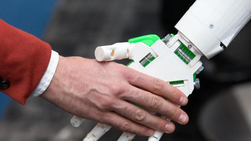 Industrie und Medizin: Wachsende Skepsis gegenüber Robotern am Arbeitsplatz