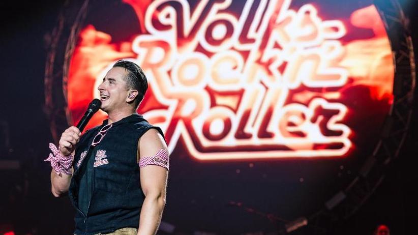 Umstrittene Verleihung: Andreas Gabalier nimmt Karl-Valentin-Orden entgegen