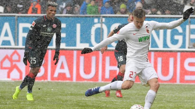 3:0-Sieg gegen Mainz: Finnbogason-Dreierpack lässt Lehmann und Augsburg jubeln