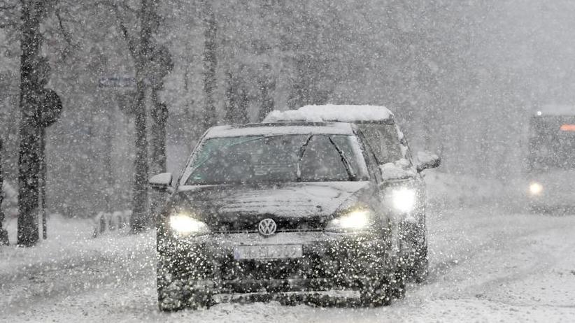 Brennerautobahn wieder frei: Viel Schnee in Bayern - Temperaturen in Deutschland steigen