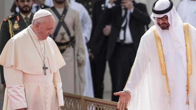 """Historischer Besuch: Papst: Religionen müssen Herzen """"entmilitarisieren"""""""
