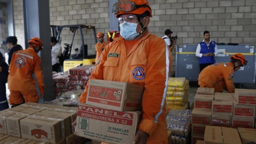 Maduro ordnet Blockade an: Kein Durchkommen: Hilfsgüter an Venezuelas Grenze gestoppt