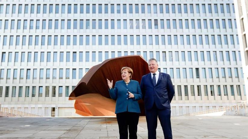 Berlin statt Pullach: Merkel eröffnet neue BND-Zentrale