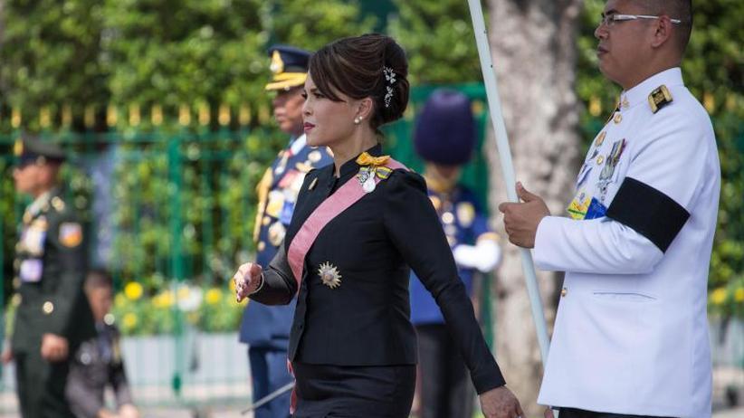 Vor Parlamentswahl: Überraschung in Thailand: Königsschwester gegen Generäle