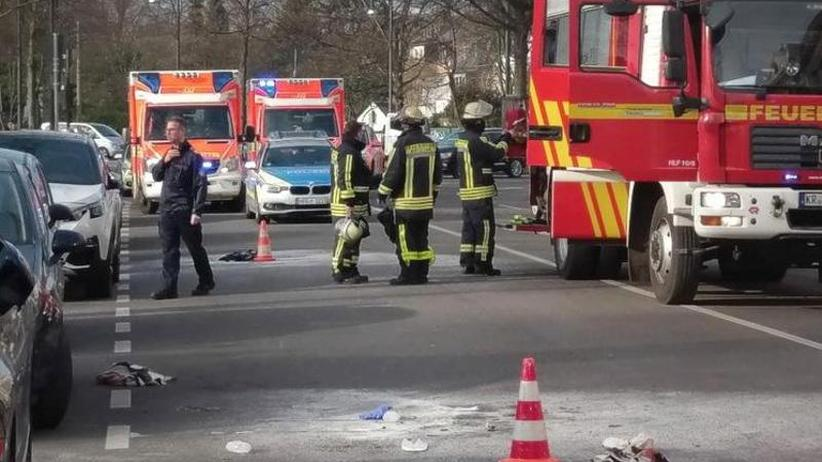 Mann schwebt in Lebensgefahr: 43-Jähriger zündete sich vor Gerichtsgebäude an