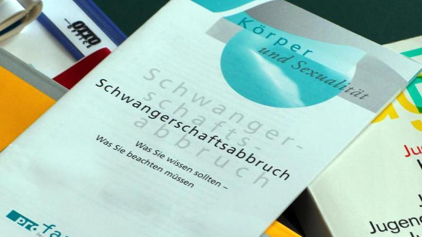 Werbeverbot für Abtreibungen: Bundestag will Änderung des Paragrafen 219a beschließen