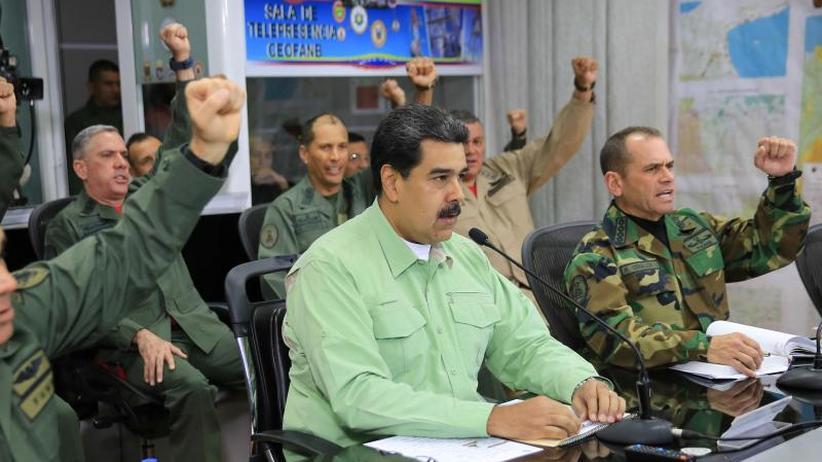 Venezuela: Streit um Hilfe: Maduro schließt Grenze zu Brasilien