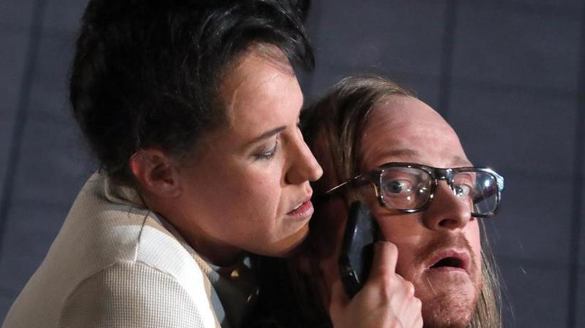 """Berliner Ensemble: """"Kriegsbeute"""": Regisseur Qurbani schreibt fürs Theater"""