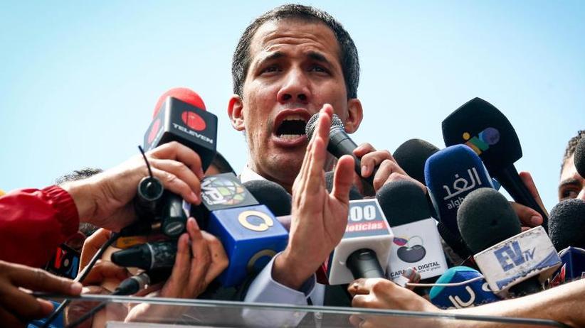 Machtkampf in Caracas: Venezuelas Opposition will humanitäre Hilfe ins Land holen