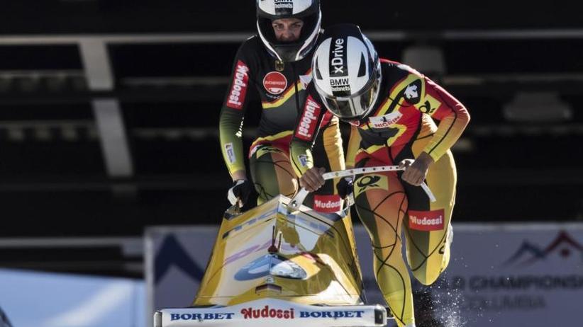 Schneider Zweite: Bob-Olympiasiegerin Jamanka erstmals Weltmeisterin