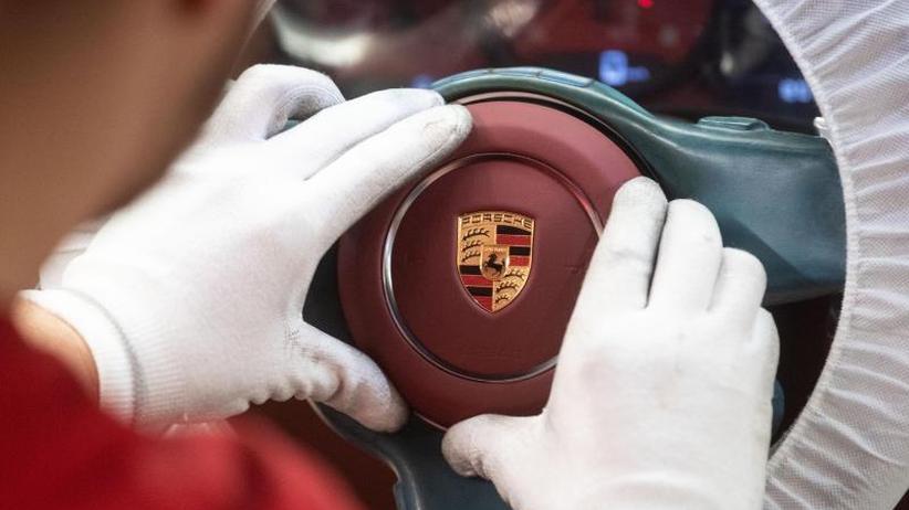 CEO Blume hält an Zielen fest: Porsche muss Kosten für Elektromobilität wieder reinholen