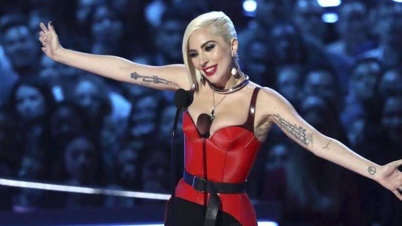 Oscarpreisträgerin: Lady Gaga überrascht Fans in kleinem Nachtclub