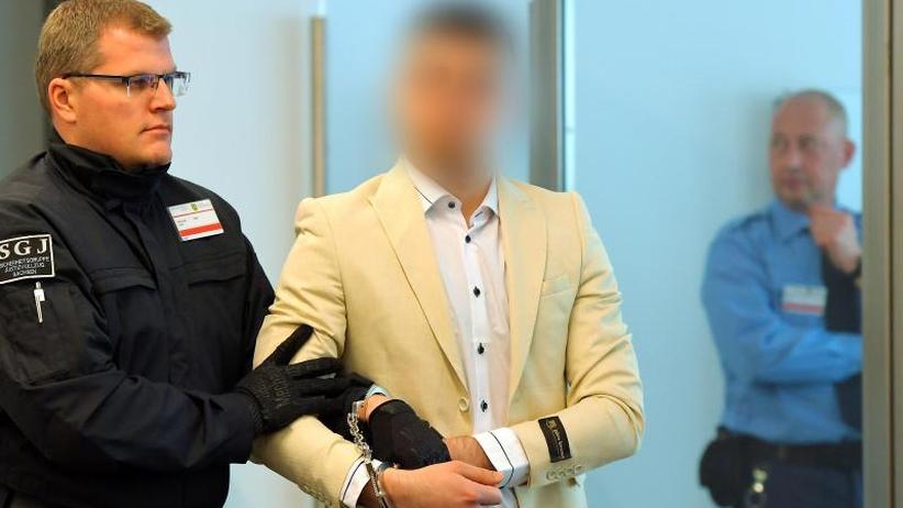 Tat löste Ausschreitungen aus: Beginn des Prozesses um Chemnitzer Messerattacke