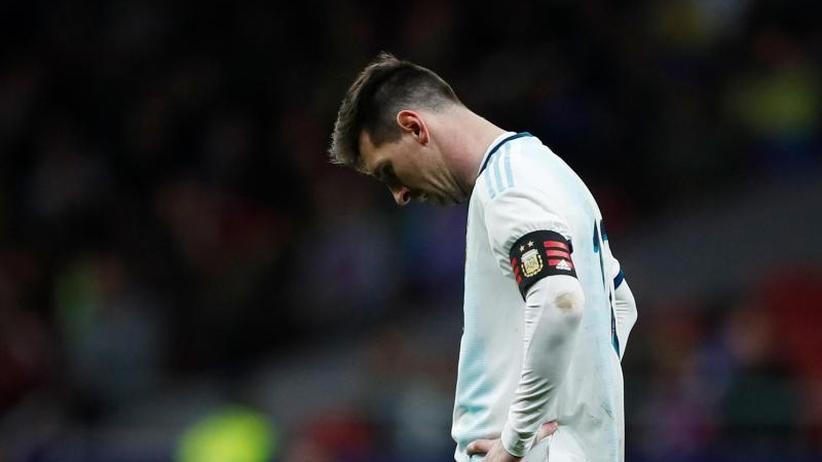 Schambein-Entzündung: Messi verletzt sich bei Comeback-Niederlage