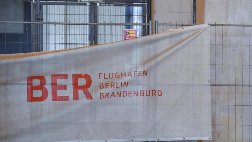 Berliner Pannen-Airport: Ministerium:Neubau für Regierungsterminal am BERmuss sein