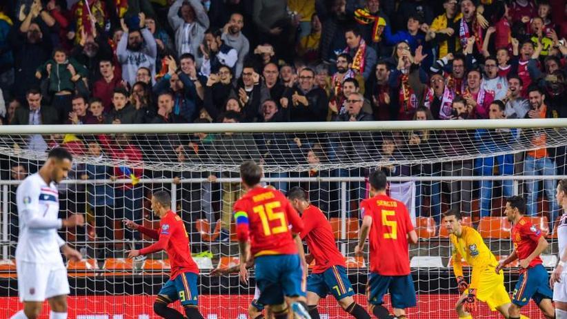 EM-Qualifikation: Ramos rettet Spanien - Italien startet mit Sieg