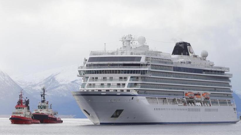 Drama endet glimpflich: In Seenot geratenes Kreuzfahrtschiff in Hafen angekommen