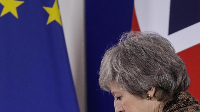 Brexit-Chaos: May vor Schicksalswoche: Riesen-Demo in London gegen Brexit