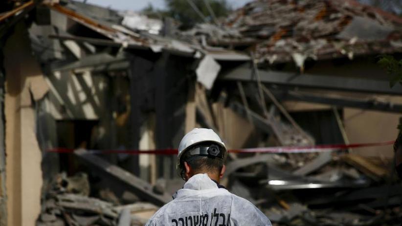 Sieben Verletzte: Haus nordöstlich von Tel Aviv von Rakete getroffen