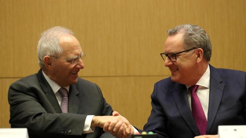 Deutsch-französisches Abkommen: Schäuble unterzeichnet Parlamentsvertrag in Frankreich