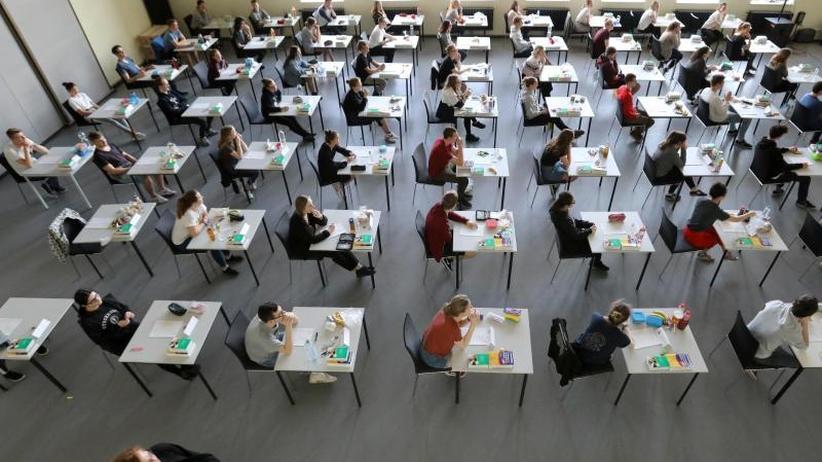 Etwa einer von 26 Prüflingen: Immer mehr Schüler fallen durchs Abitur