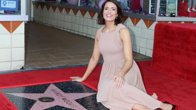 Auszeichnung: Mandy Moore bekommt Hollywood-Stern und Komplimente
