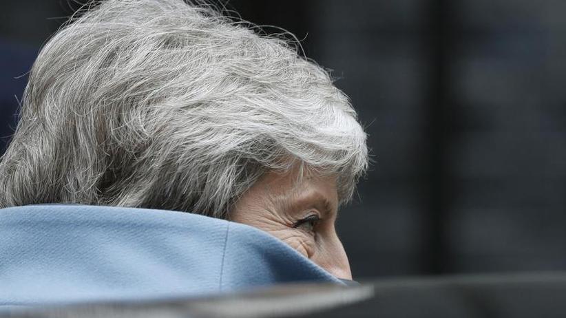 Parlament sucht Lösungen: Medien: Premierministerin May stellt Rücktritt in Aussicht