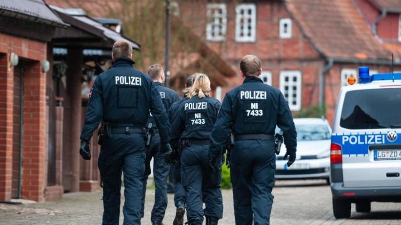 13 Gebäude durchsucht: Razzia gegen Großfamilie: Mehr als 500 Ermittler im Einsatz