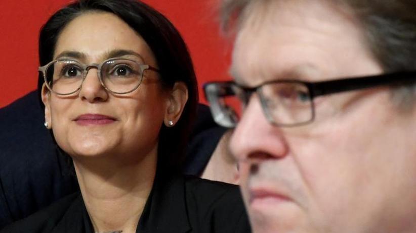 Landesparteitag inNorderstedt: Wechsel bei der Nord-SPD: Midyatli löst Stegner ab