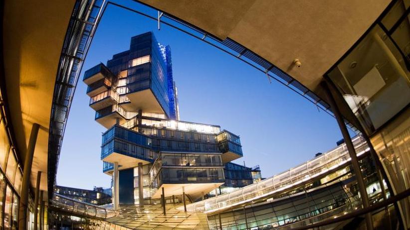 Angeschlagenes Institut: Hilbers: Bei NordLB-Umbau fallen 2250 Stellen weg