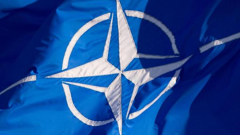 Streitpunkt Rüstungsetats: 70 Jahre Nato: Die Bündnispartner feiern und streiten