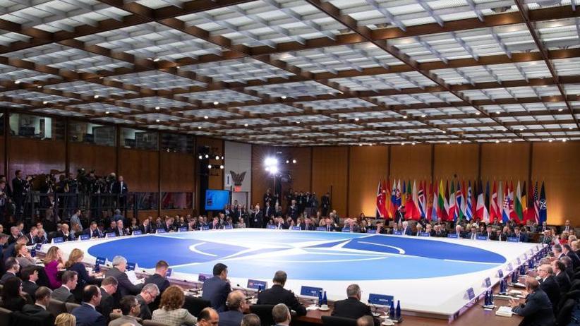 Streit zum Gründungsjubiläum: Nato-Staaten erneuern Versprechen zu Verteidigungsausgaben