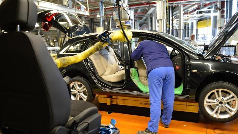 Mitarbeiter in Alarmstimmung: Opel: Heftiger Streit um Zukunft von Rüsselsheim