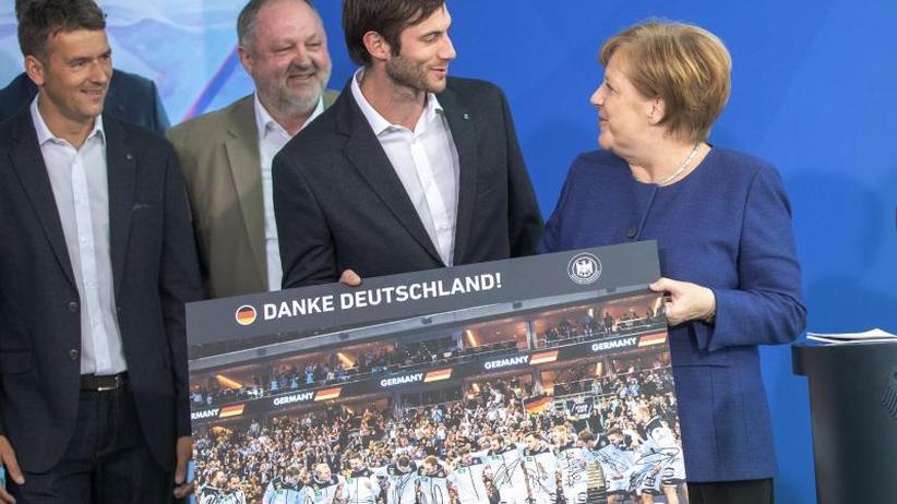 """Handball: Kanzlerin Merkel lobt Handballer: """"Sympathisch, bodenständig"""""""