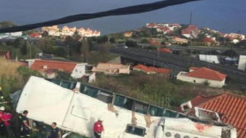 Deutsche Opfer: 28 Touristen sterben bei Busunglück auf Madeira